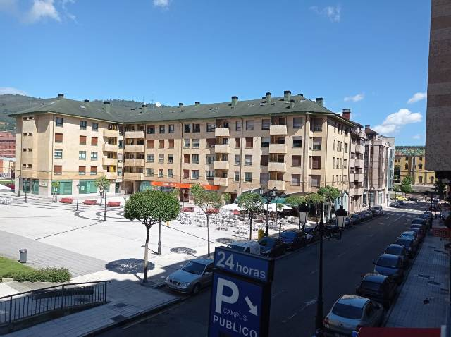 Plaza El Milán Oviedo
