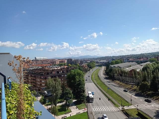 Acceso a autopista A-66 desde Campus Aparthotel Oviedo